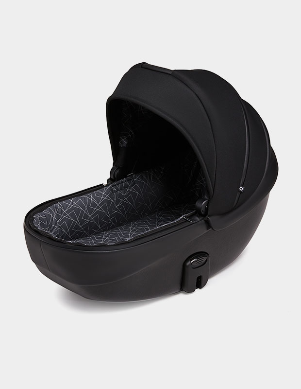 Carrycot with mattress